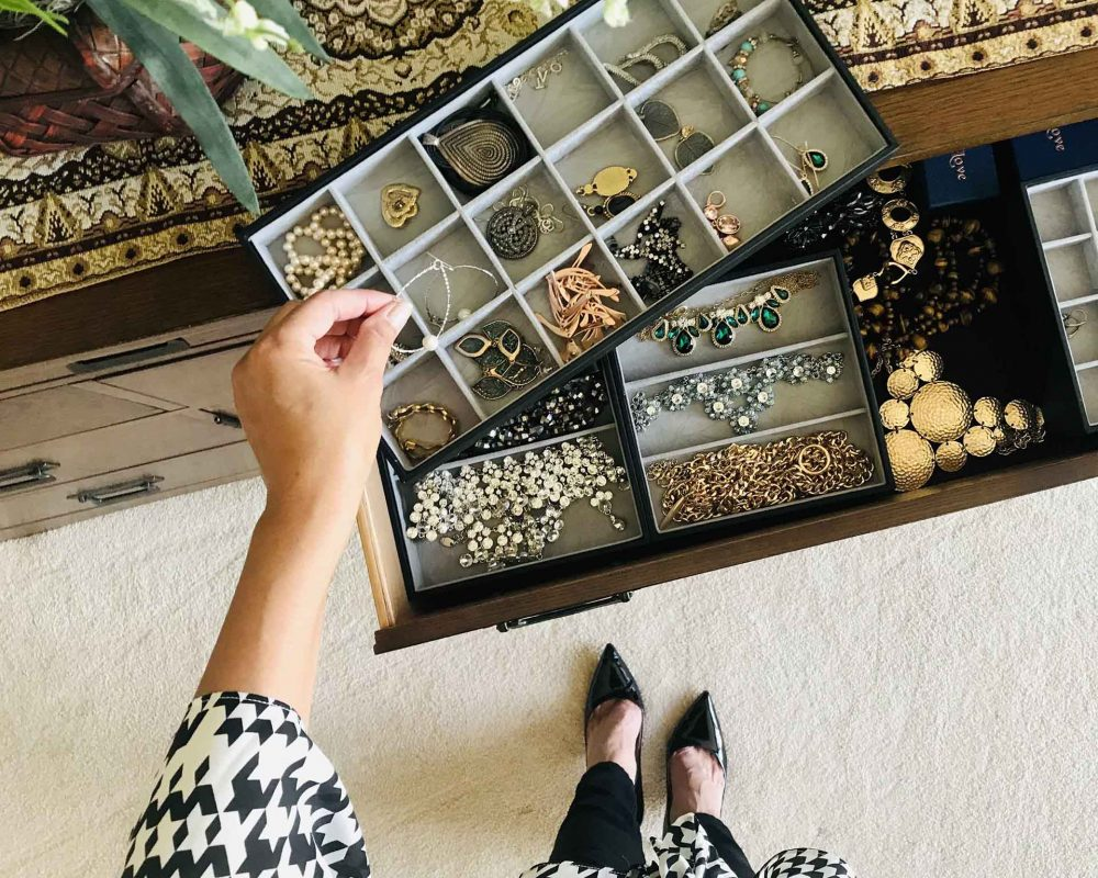 jewelry-drawer-organizer-JYJCQAQ